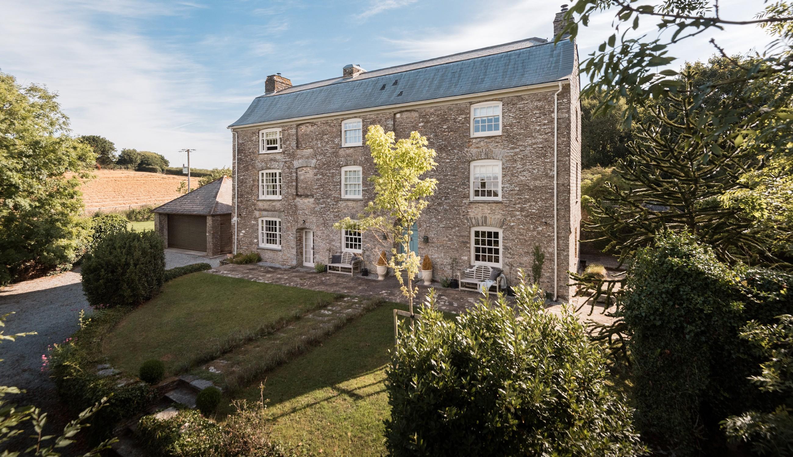 Luxury Self-Catering Statement House near Kingsbridge, Devon