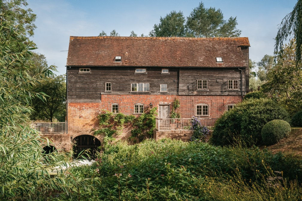 Luxury Self-Catering Mill House | Billingshurst | West Sussex