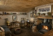 Warm and cosy, Nomad is a snug Cornwall retreat