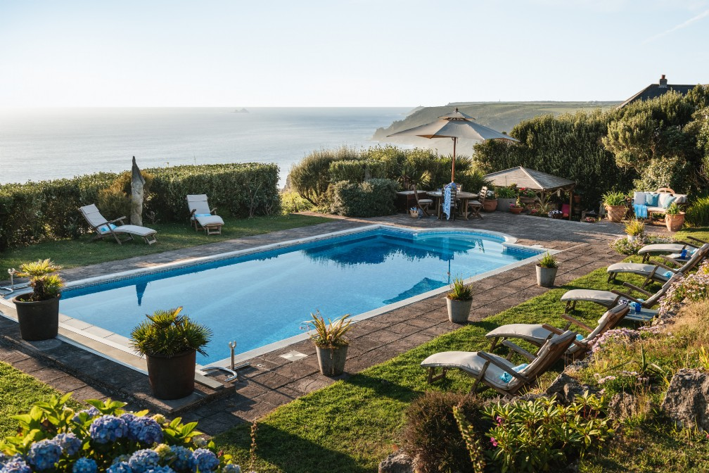 North Rock Beach House | Luxury Self-Catering | Sennen Cove, Cornwall
