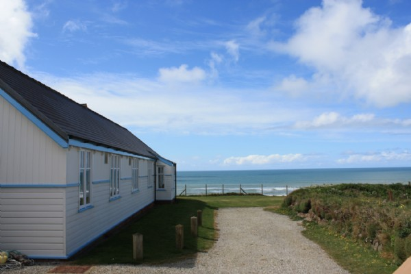 Bude large self catering beach house north cornwall for Large beach house