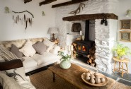 Elysian´s pared-back rough luxe style makes it an inspired rural retreat