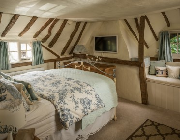 Luxury self-catering holiday cottage in Cotswolds