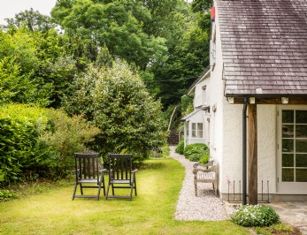 Luxury Thatched Holiday Cottage South Devon