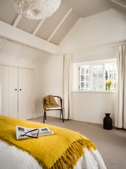 Scandi-Style Thatched Holiday Cottage Nr Kingsbridge, Devon