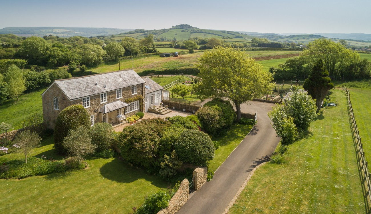 Burton Bradstock Luxury Self-catering Coastal Cottage in Dorset