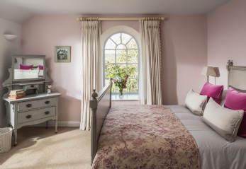 Luxury self-catering country house Shipton Gorge, Dorset