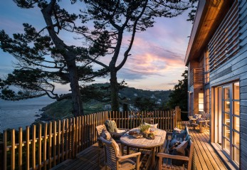 Luxury self-catering beach house overlooking Polperro, Cornwall