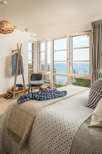 Luxury self-catering beach house with sea views in south Cornwall
