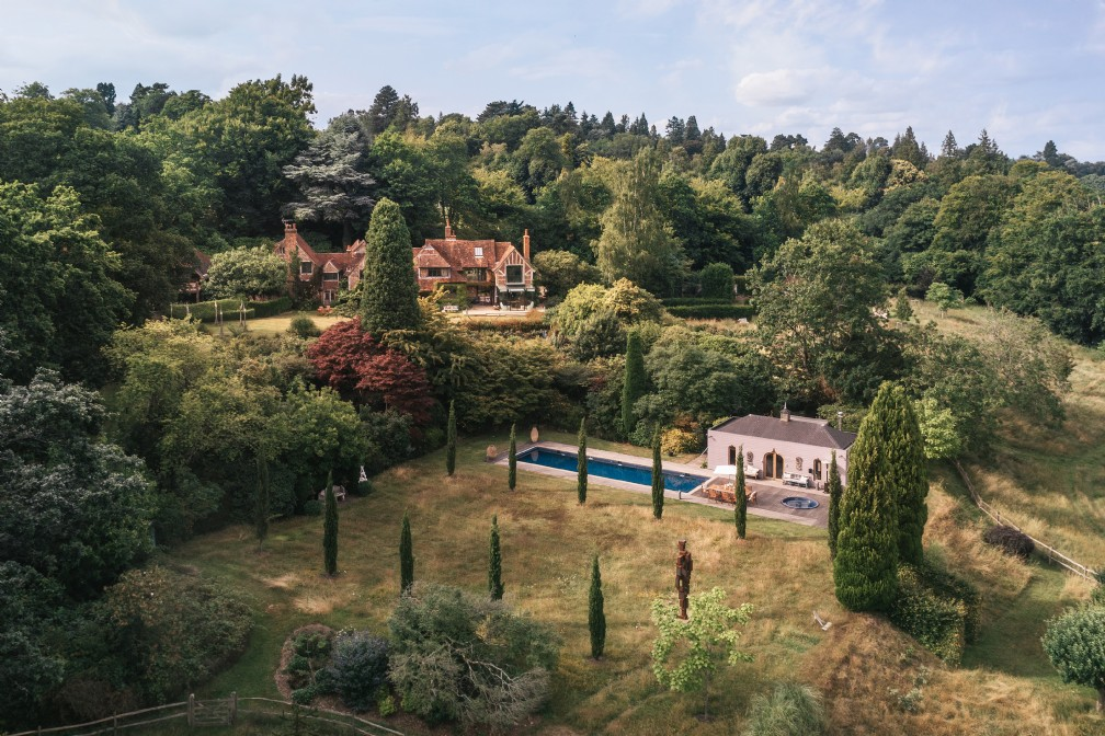 Rhapsody | Luxury Self-Catering Country House | Haslemere, Surrey