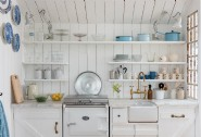 Romany´s white-washed kitchen