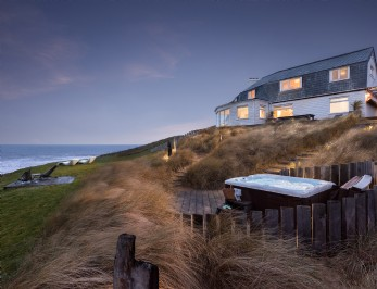 Luxury coastal self-catering home in North Cornwall