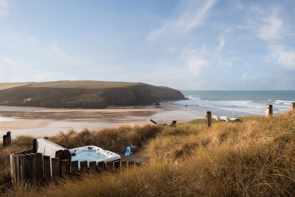 Saphir Beach House | Luxury Self-Catering | Mawgan Porth, Cornwall