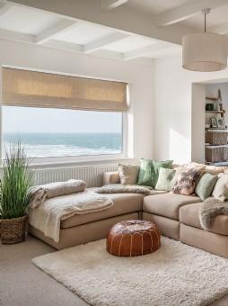 Luxury self-catering beach house in Mawgan Porth, Cornwall