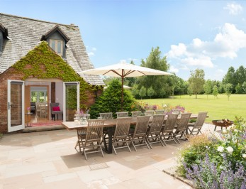 Scarlet Hall luxury self-catering Grade II listed house in Cheshire