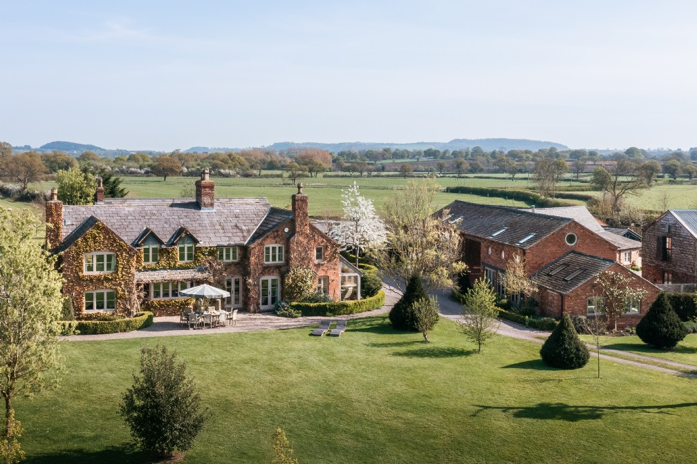 Scarlet Hall | Luxury Self-Catering Manor House | Chester