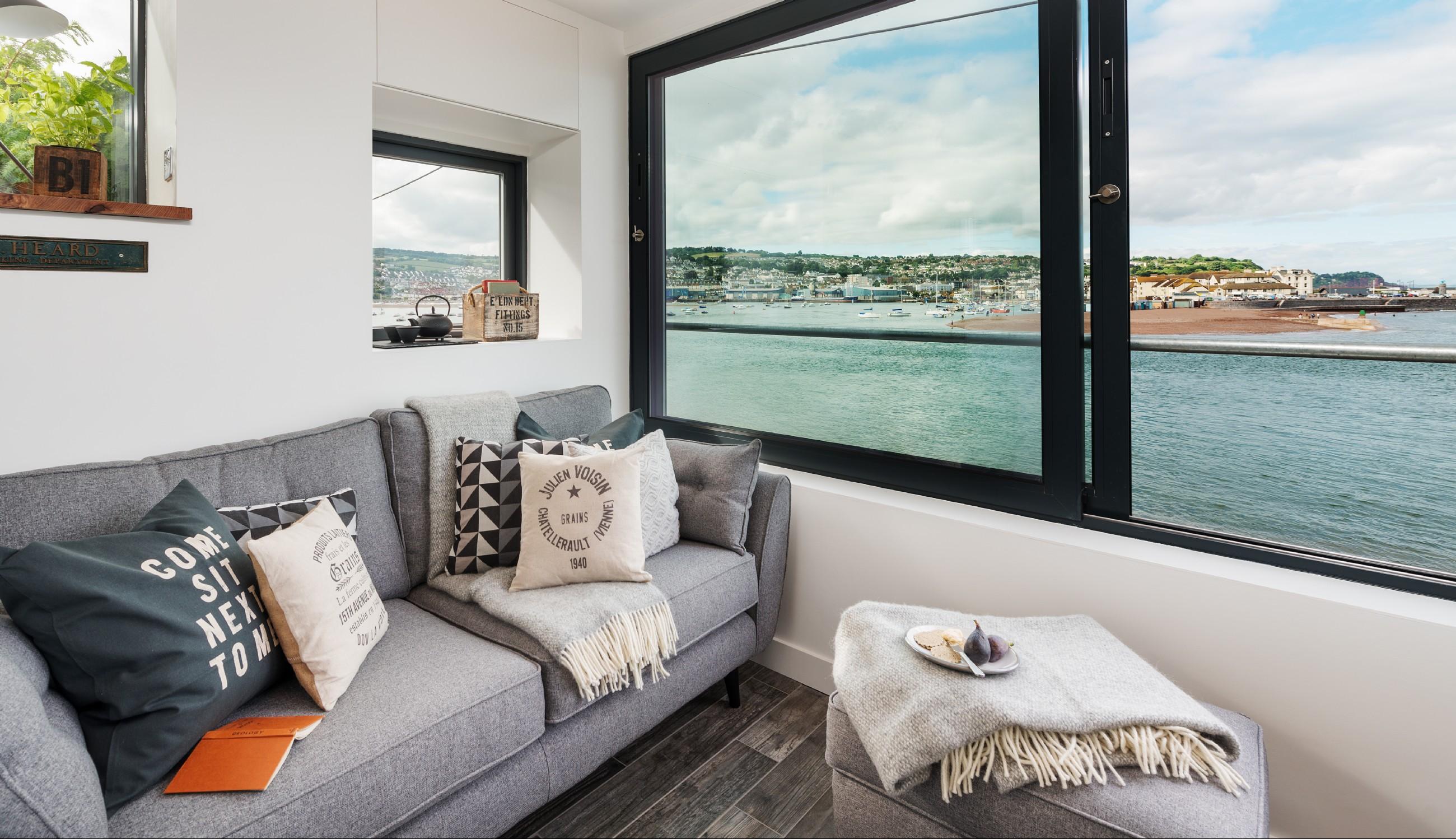 Shaldon Devon Luxury Self Catering Cottage Overlooking The Sea