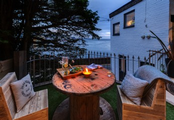 Luxury self-catering for couples in Devon