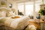 The king-size bedroom with sea views