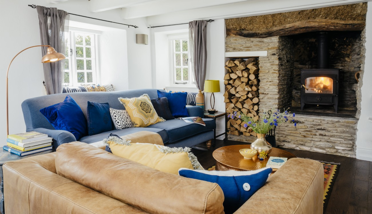 Roseland Peninsula luxury modern cottage for couples in Cornwall
