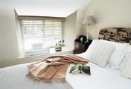 First floor king-sized bedroom