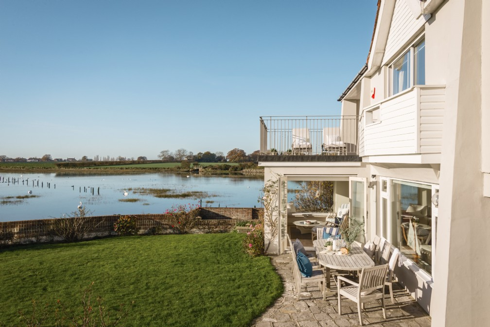 Snow Goose | Luxury Self-Catering River House | Bosham, Sussex