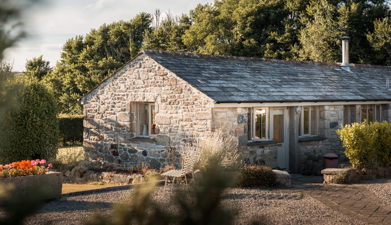 Watergate Bay luxury self-catering modern barn in Cornwall
