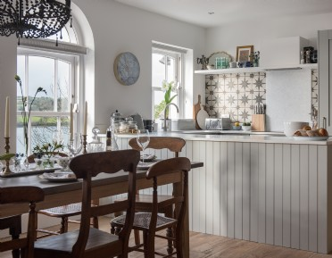 Large luxury riverside self-catering home in Cornwall