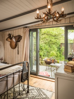 French doors open out to the patio at this hideaway near Watergate Bay