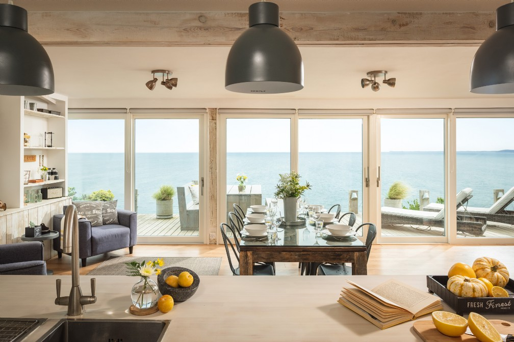 Tempest | Luxury Self-Catering Beach Hut | Whitsand Bay, Cornwall