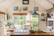 Costal chic reigns at this North Cornwall beach hideaway