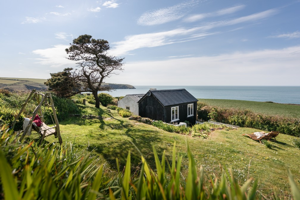 The Cable Hut | Luxury Coastal Self-Catering | Pembrokeshire