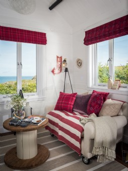 Luxury holiday cottage South Wales for couples´ escapes