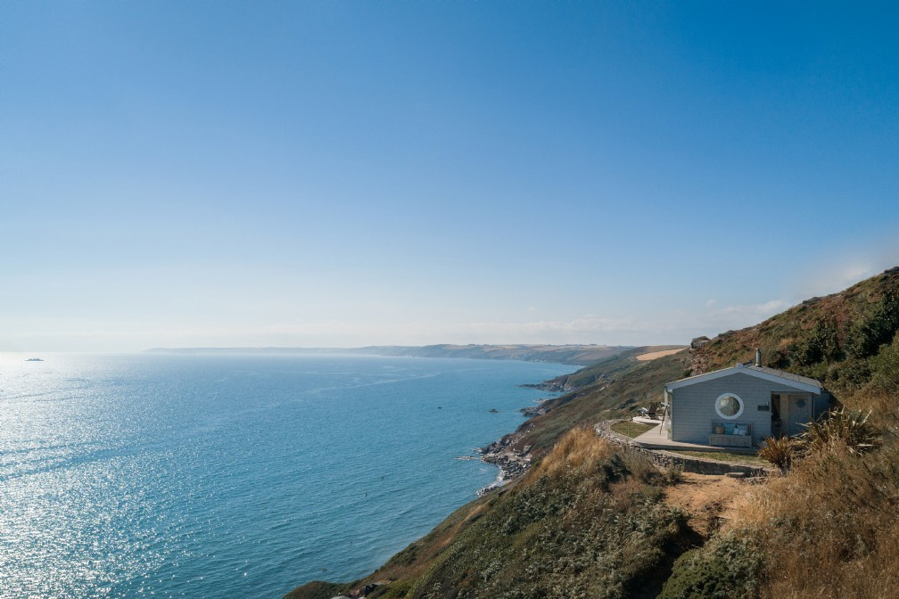 The Edge | Luxury Self-Catering Beach hut | Whitsand Bay, Cornwall