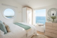 The Edge is a unique couples´ retreat overlooking the ocean in Cornwall