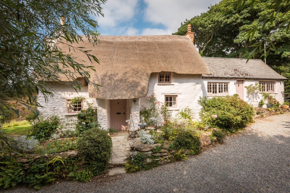 The Fable | Luxury Cottage | Perranporth Beach, Crantock
