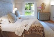 Super king /twin bedroom room with zip-link