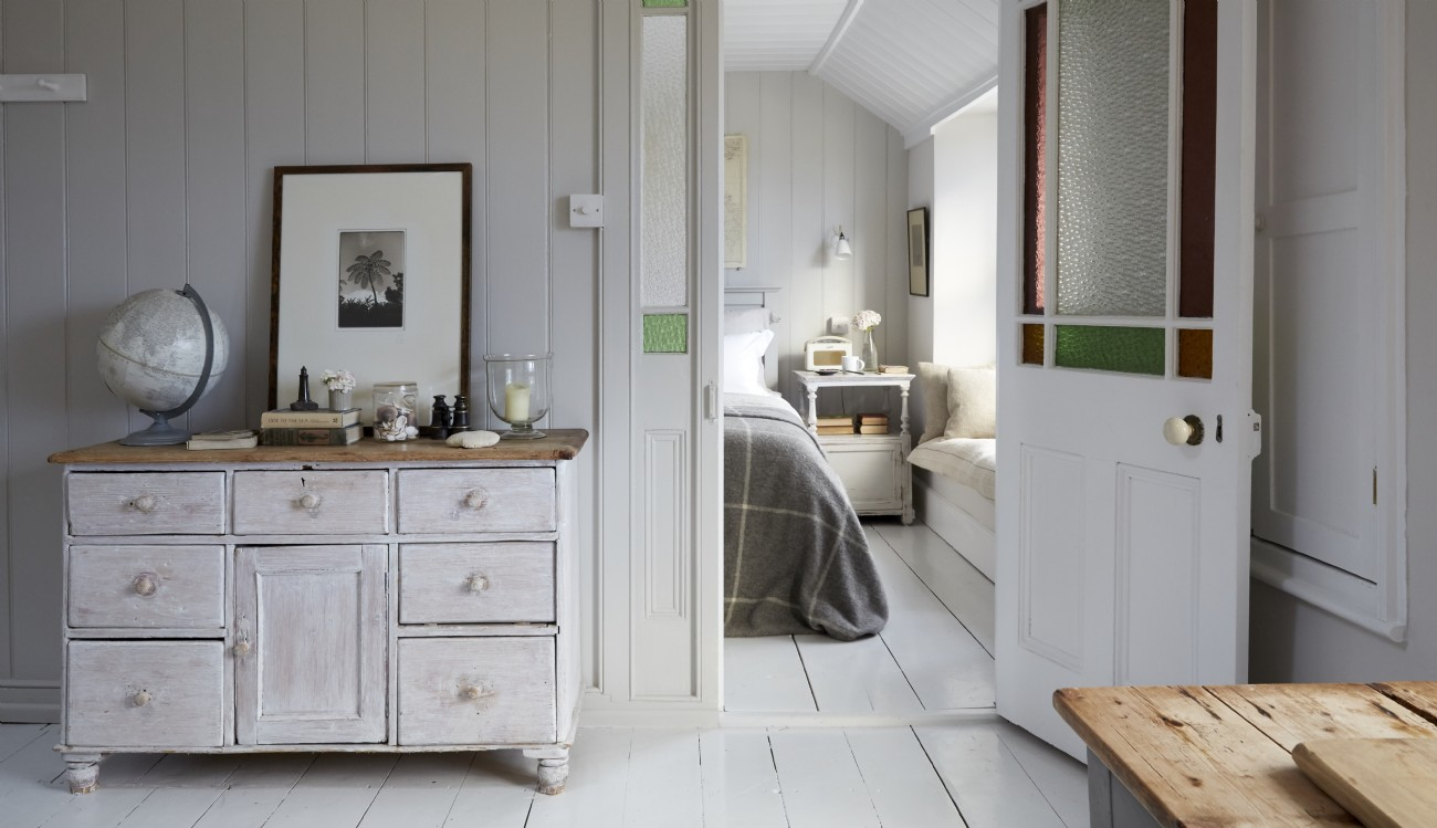 Stylish Mousehole self-catering harbour cottage, The Herringbone
