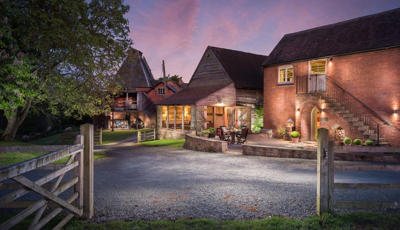 Ledbury luxury self-catering hop store, Herefordshire