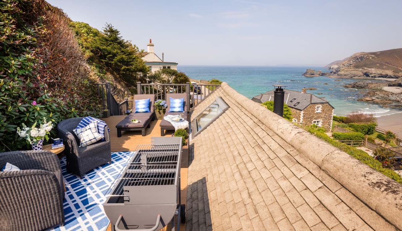 Luxury Holiday Cottage Beside The Sea For Sale