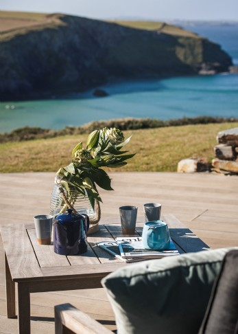 The Looking Glass luxury self-catering in Mawgan Porth, Cornwall