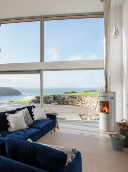 Luxury self-catering in Mawgan Porth, Cornwall
