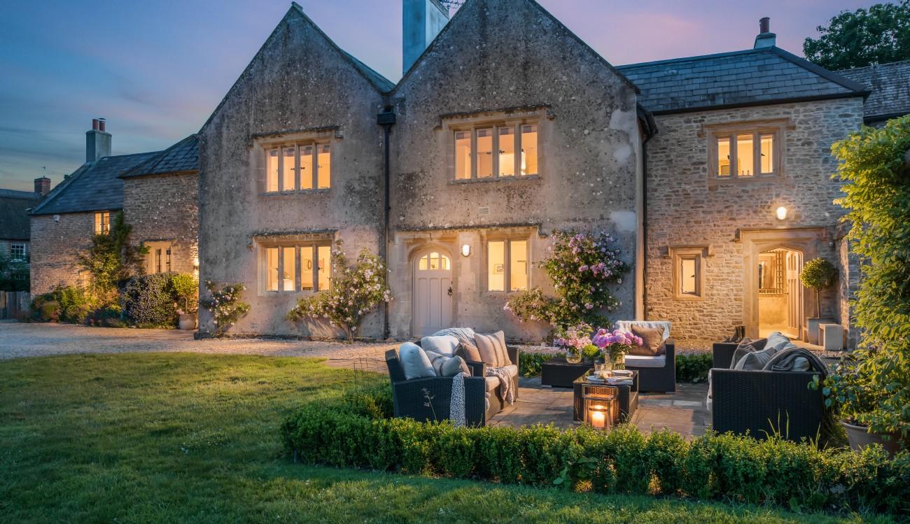 Burton Bradstock Luxury Coastal Self-catering Monastery, Dorset