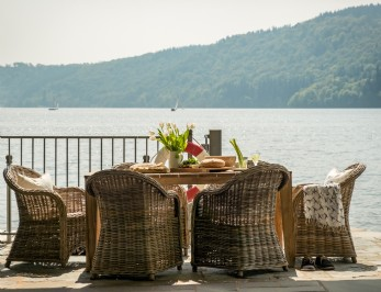 Luxury self catering boathouse on Lake Windermere