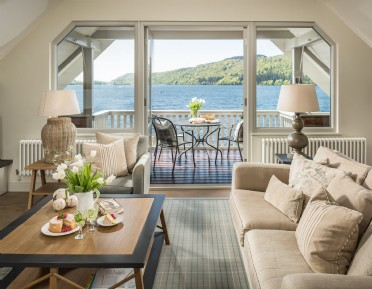 Luxury holiday boathouse on Lake Windermere