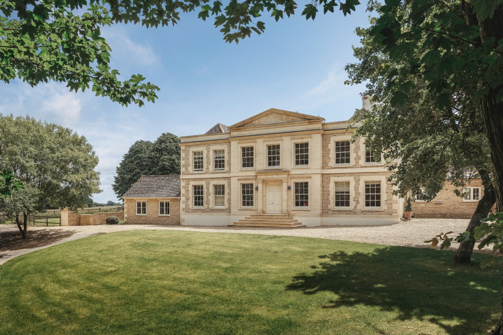 The Palladian | Luxury Self-Catering Manor | Ampney Crucis, Cotswolds