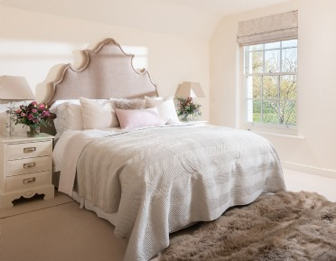 Luxury self-catering Cotswolds manor