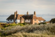 The Restoratory is a luxury self-catering coastal cottage in Sandwich Bay