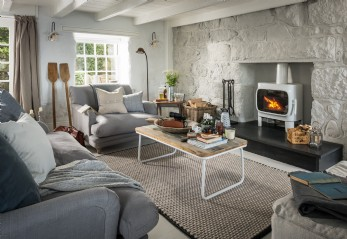The Salt House is a luxury holiday cottage set in Mousehole, Cornwall