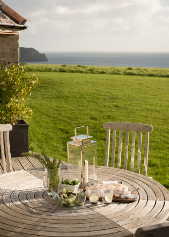 The Sea Barn coastal holiday cottage by the sea St Mawes